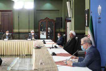 در دیدار جمعی از مدیران وزارت بهداشت و شرکت های تولید کننده واکسن؛ روحانی: تشکیل ستاد مقابله با کرونا نخستین اقدام موثر مدیریتی بود